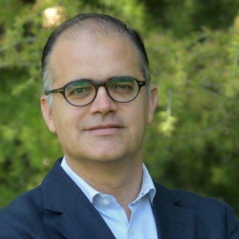 Julián Villanueva - IESE